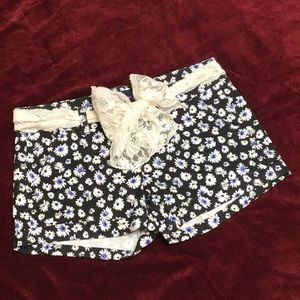 American Eagle Outfitters floral chino shorts 4